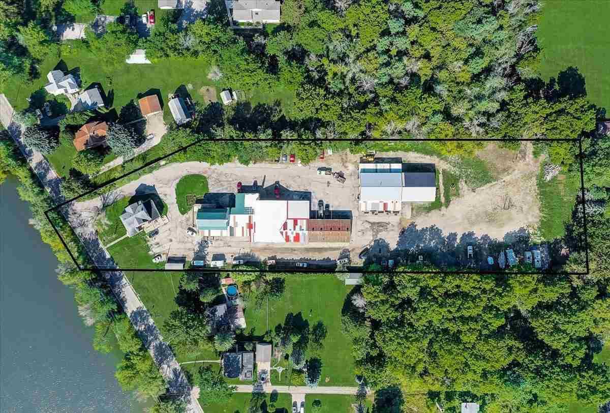 1246 Riverside Dr, Fort Atkinson, WI 53538