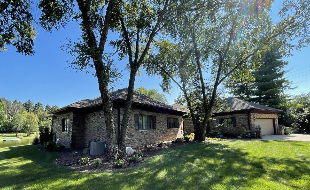 1255 Janette St, Fort Atkinson, WI 53538