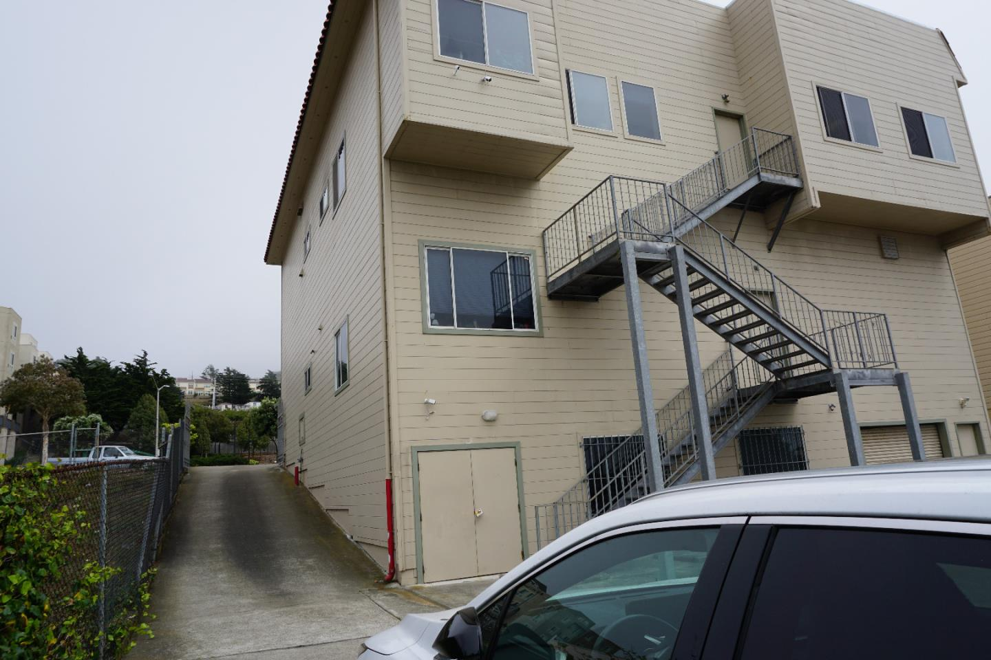 6644 Mission ST, Daly City, CA 94014