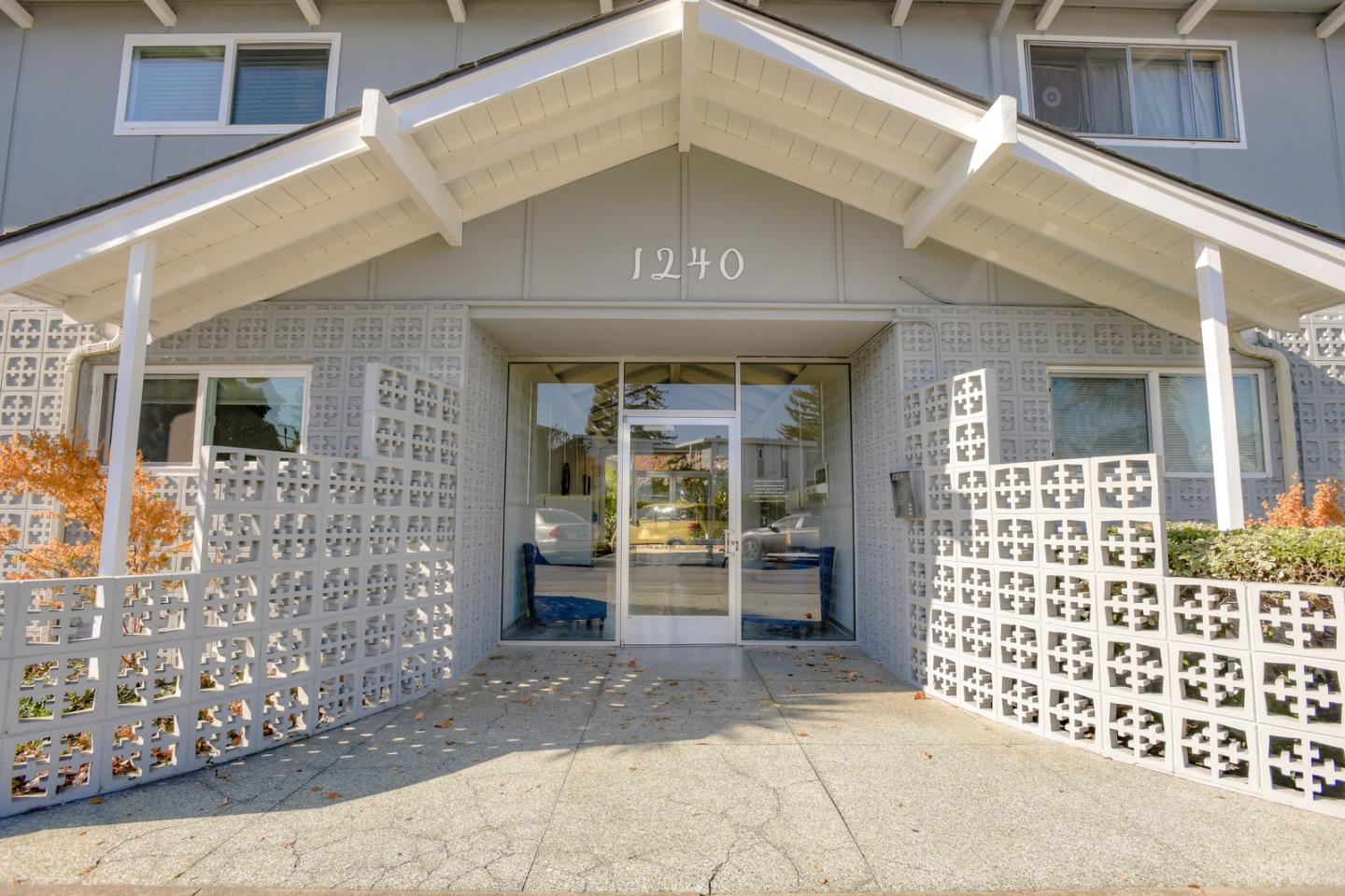 1240 Woodside RD 15, Redwood City, CA 94061