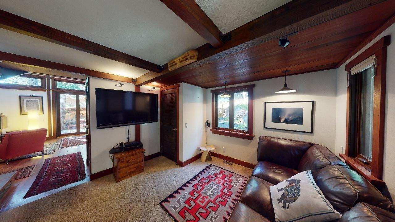 286 Tamarack Street, Mammoth Lakes, CA 93546