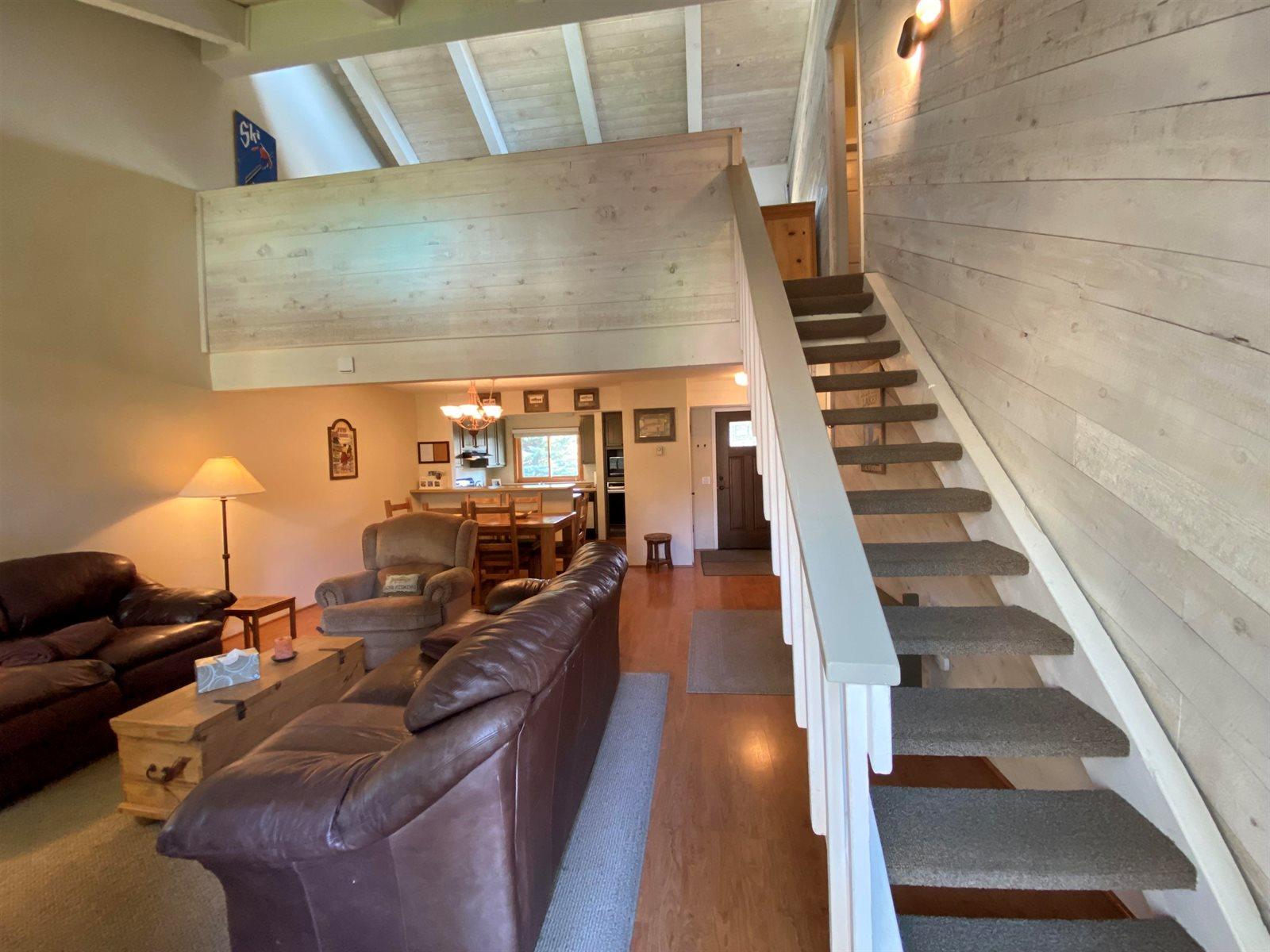 96 Meadow Lane, Mammoth Lakes, CA 93546