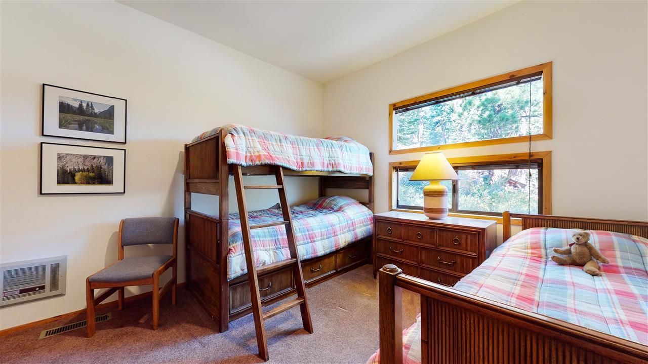 682 Canyon Place, Mammoth Lakes, CA 93546