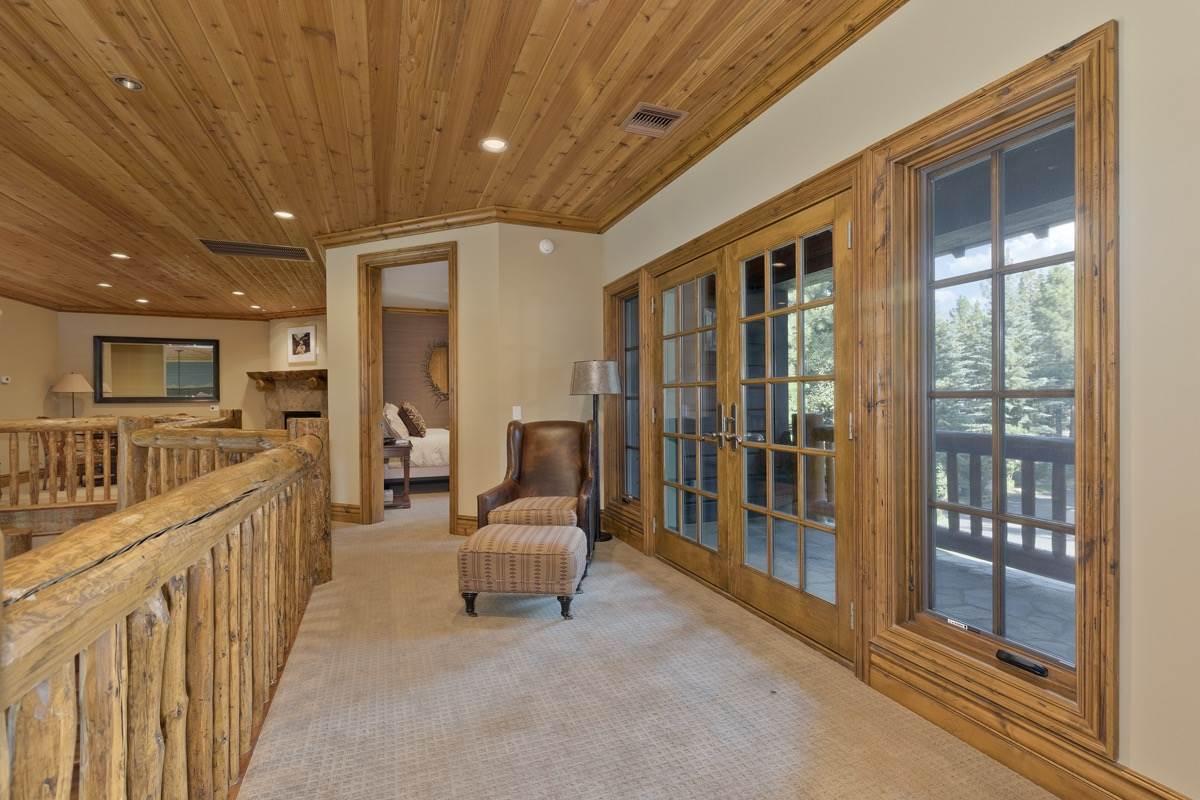 42 Starwood Drive, Mammoth Lakes, CA 93546