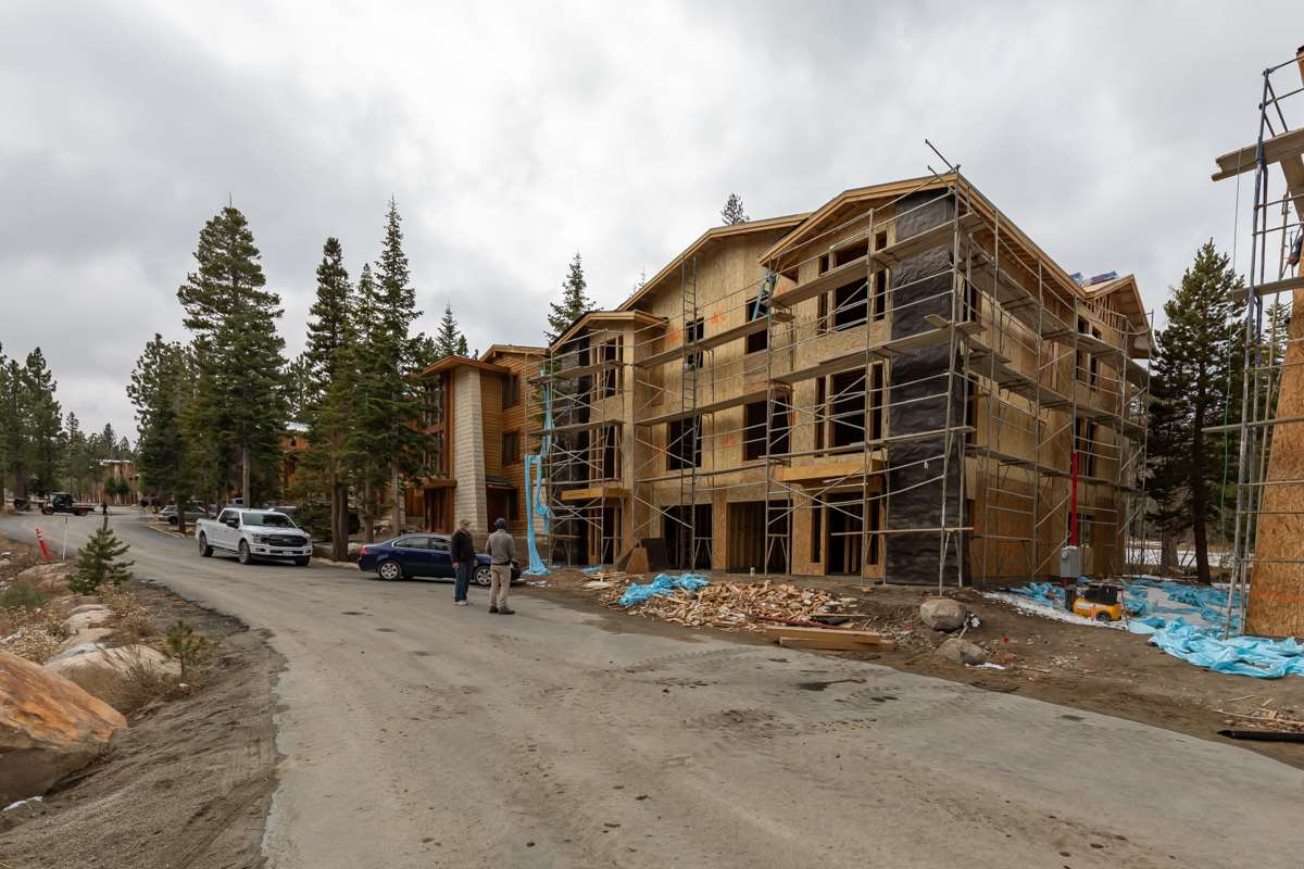250 Obsidian Place #14, Mammoth Lakes, CA 93546
