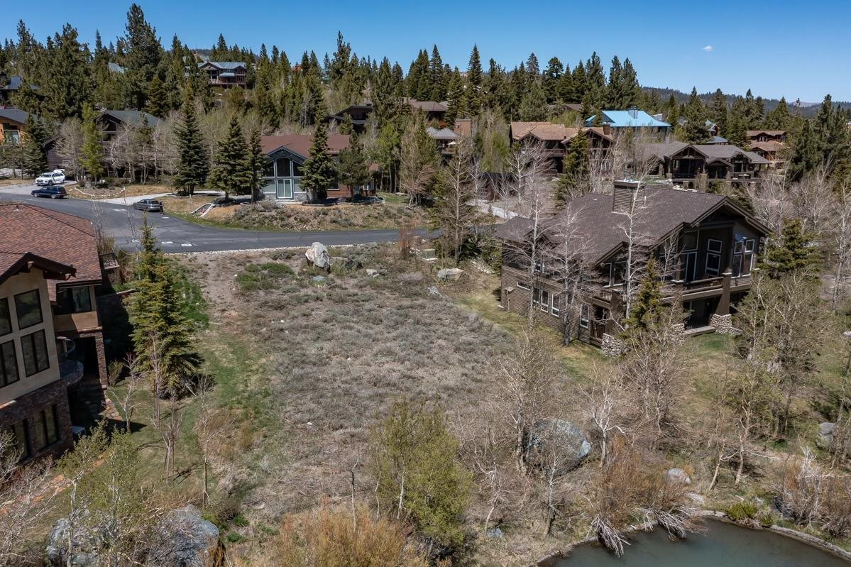 102 Woodcrest Trl, Mammoth Lakes, CA 93546