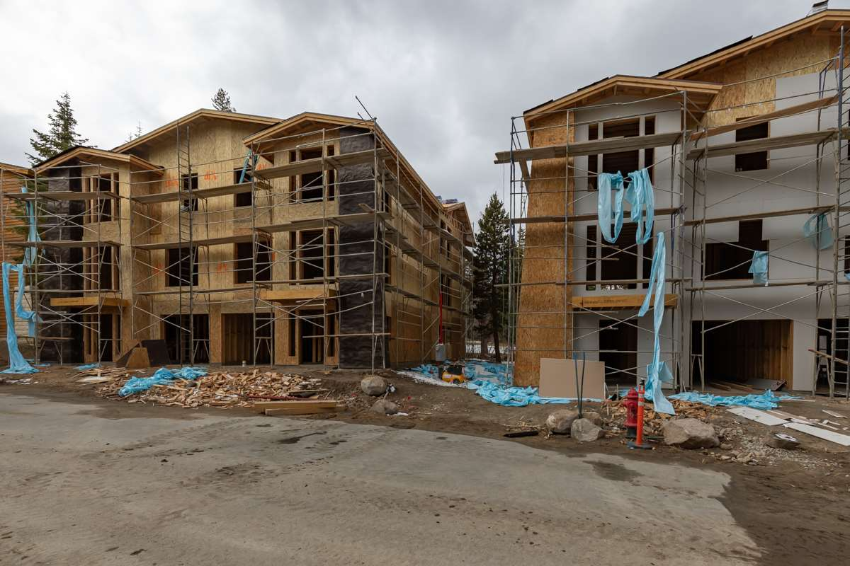210 Obsidian Place #18, Mammoth Lakes, CA 93546