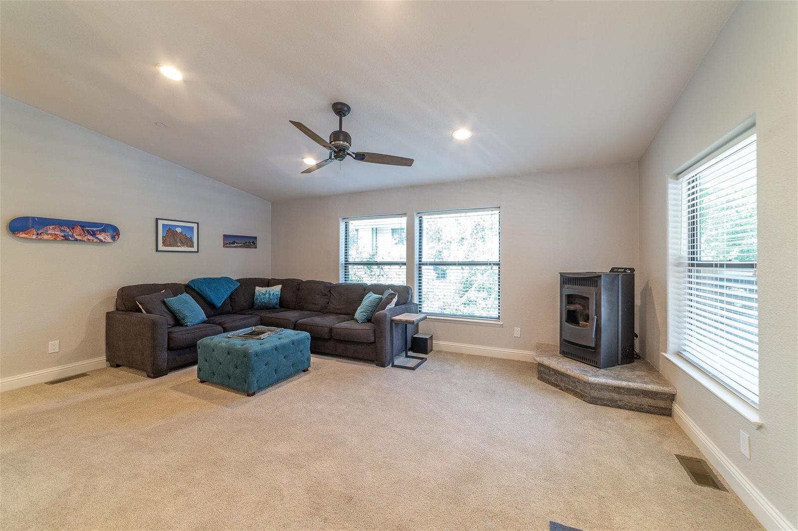 450 Lupin St., Mammoth Lakes, CA 93546