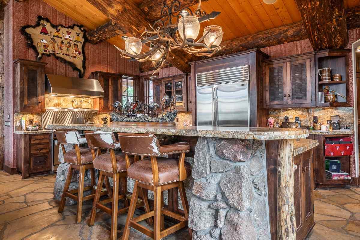 12 Old Juniper Lane, Mammoth Lakes, CA 93546