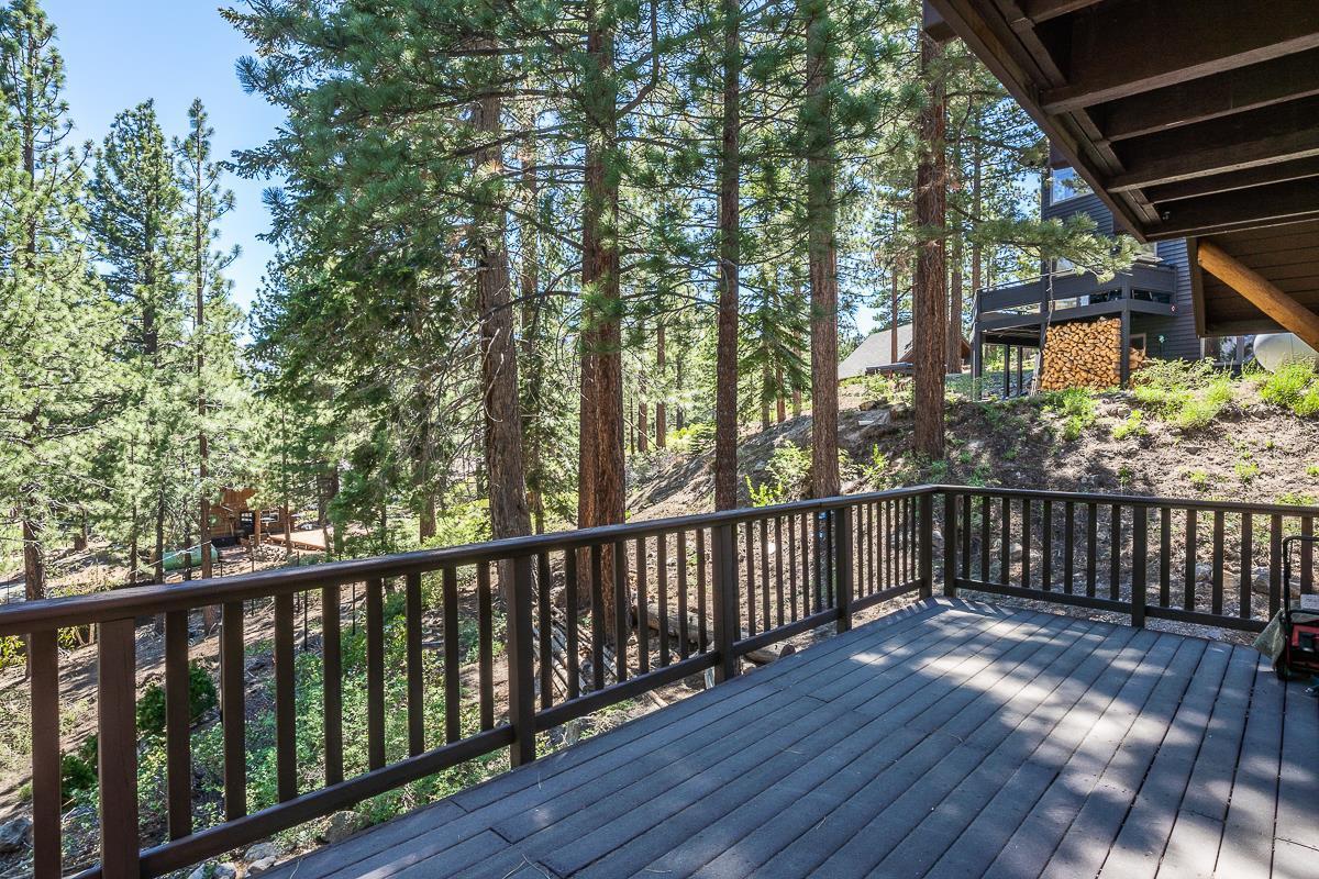 395 Pinecrest Avenue, Mammoth Lakes, CA 93546