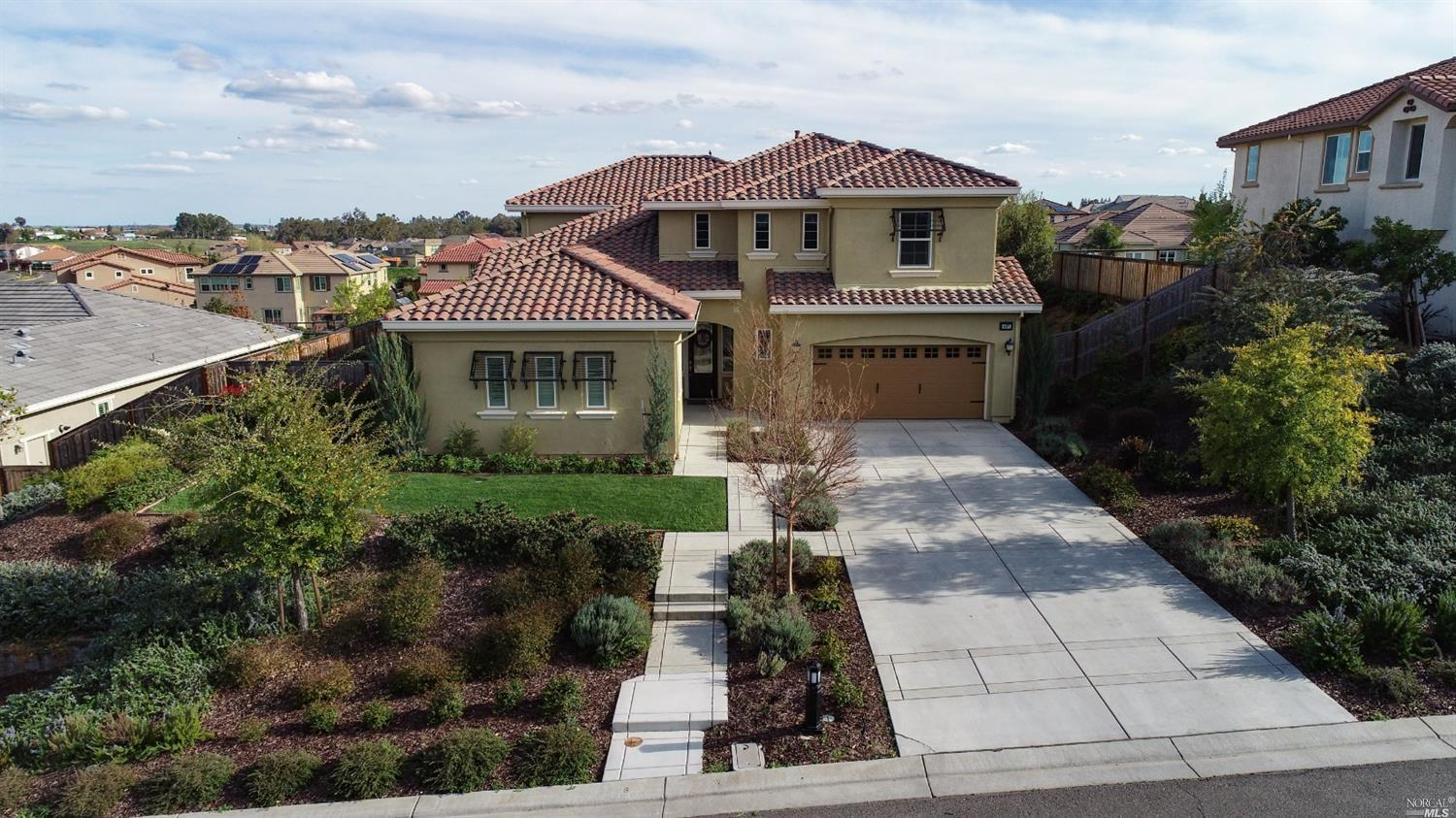 407 Peacock Way, Vacaville, CA 95688