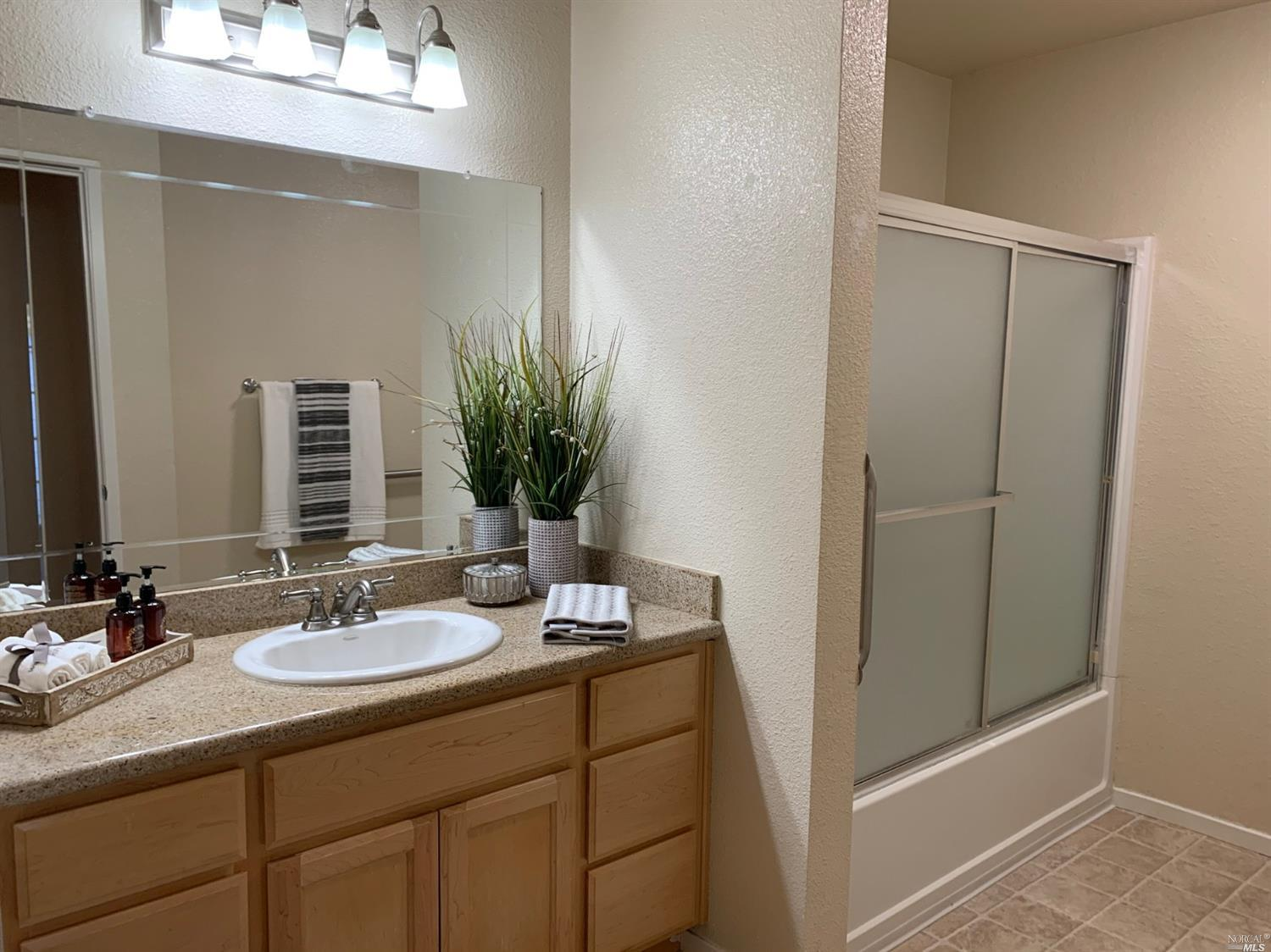 2001 Eastwood Drive, #44, Vacaville, CA 95687