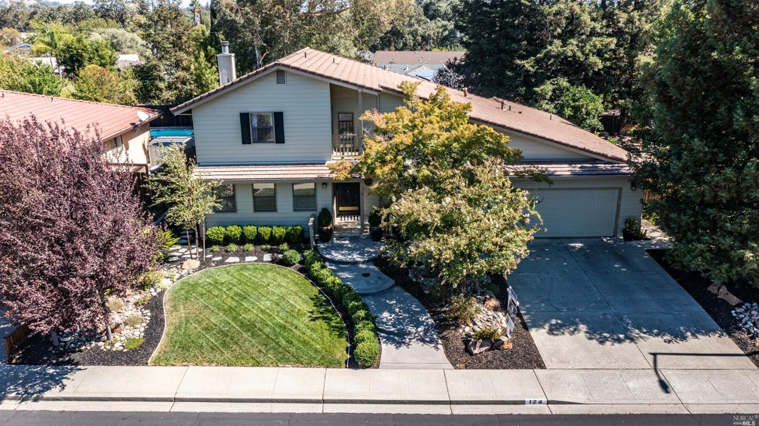 124 Hillview Drive, Vacaville, CA 95688