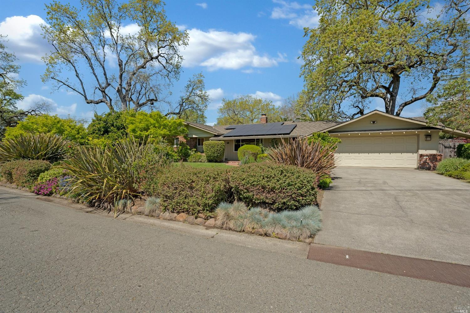 5113 Oak Meadow, Santa Rosa, CA 95401