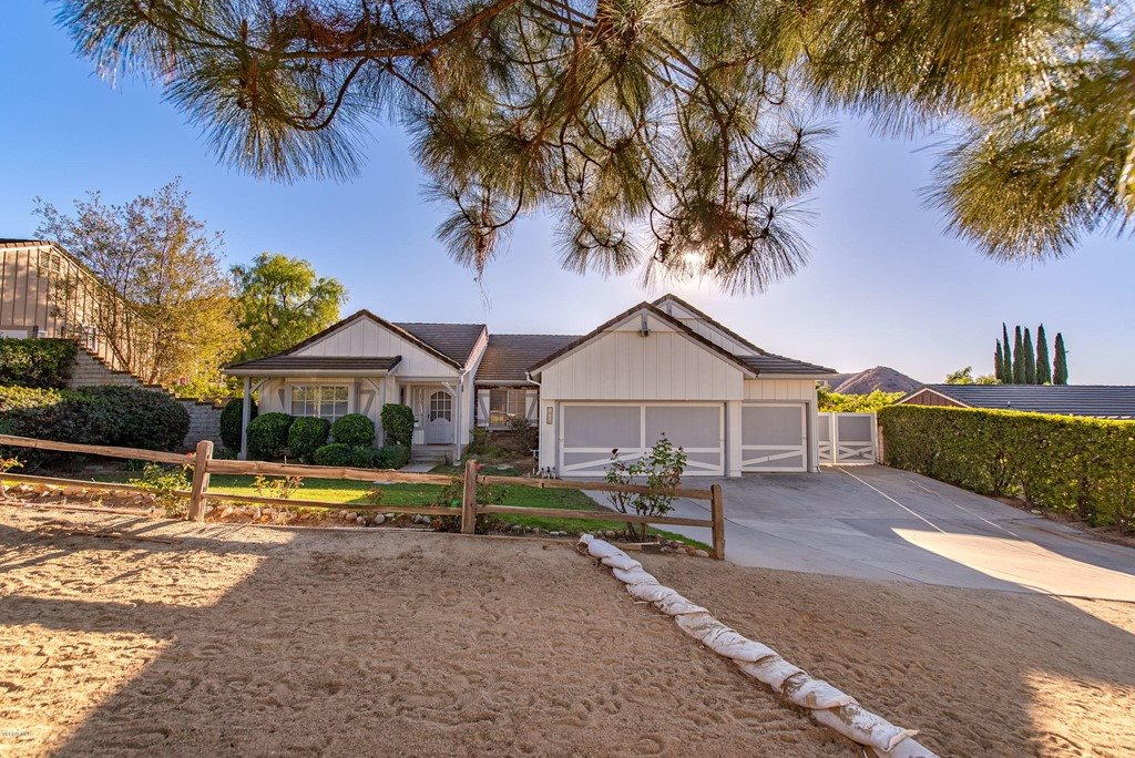 1904 Rocking Horse Drive, Simi Valley, CA 93065