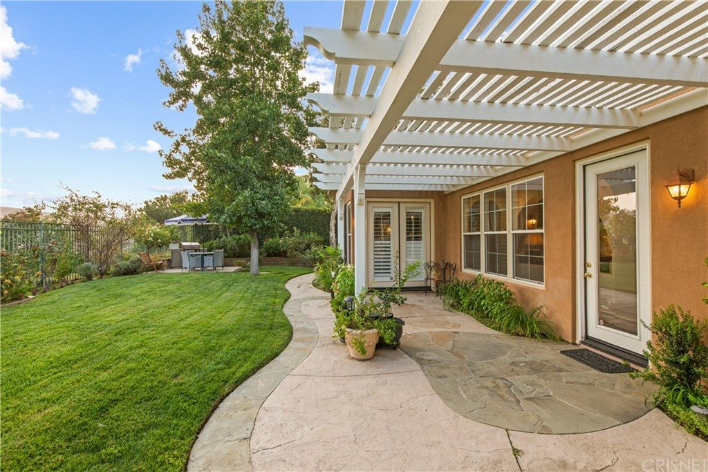 240 Spruce Circle, Simi Valley, CA 93065