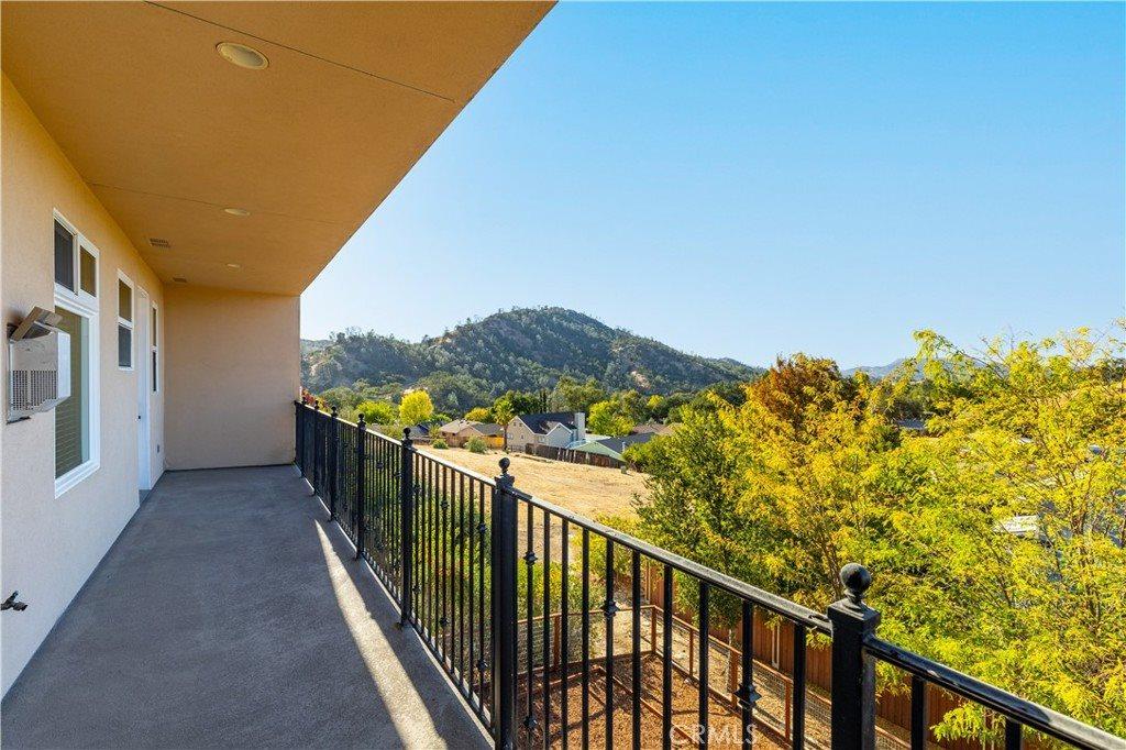 5049 Meadow Lark Lane, Paso Robles, CA 93446