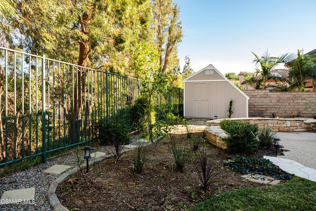 348 Hill Valley Court, Simi Valley, CA 93065
