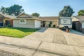 1318 Crestmont Avenue, Roseville, CA 95661