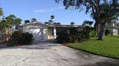 142 West Gadsden Lane, Cocoa Beach, FL 32931