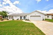 1415 Sykes Creek Drive, Merritt Island, FL 32953