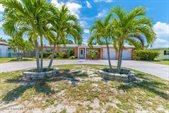 455 Harwood Avenue, Satellite Beach, FL 32937