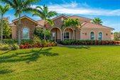 858 SE Tres Belle Circle, Stuart, FL 34997