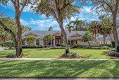 8370 Whispering Oak Way, West Palm Beach, FL 33411