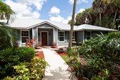 70 Whispering Oak Trail, West Palm Beach, FL 33411
