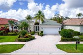 9072 Lakes Boulevard, West Palm Beach, FL 33412