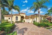 9008 Lakes Boulevard, West Palm Beach, FL 33412