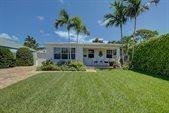 245 Alhambra Place, West Palm Beach, FL 33405