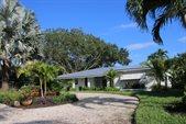 717 SE Weir Street, Stuart, FL 34994