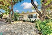 1717 NE 12th St, Fort Lauderdale, FL 33304