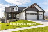 914 Horizon Dr, Tiffin, IA 52340
