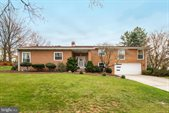 229 Fineview Road, Camp Hill, PA 17011