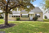101 Robin Road, Ewing, NJ 08628