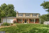 25 Meadow Drive, Camp Hill, PA 17011