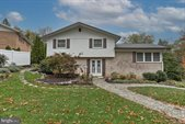 1 West Shore Drive, Camp Hill, PA 17011