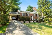 6 Grovepoint Court, Rockville, MD 20854