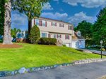 32 Westview Dr, Norwood, MA 02062