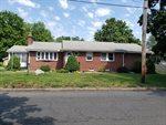 74 Thornfell St, Springfield, MA 01104