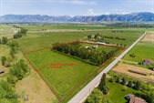 2419 East Cameron Bridge Road, Bozeman, MT 59718