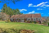 4 Mountain View Dr, Chester Township, NJ 07930