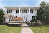 2050 South Service Road, Staten Island, NY 10309
