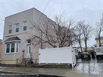 98 Robin Road, Staten Island, NY 10305
