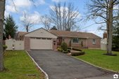 33 Rustic Place, Staten Island, NY 10308