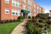 101 Second Street, #A3, Garden City, NY 11530