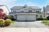 10 Currier Avenue, Melville, NY 11747