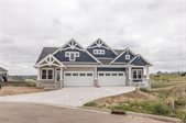 805 28th ST NW, Minot, ND 58703